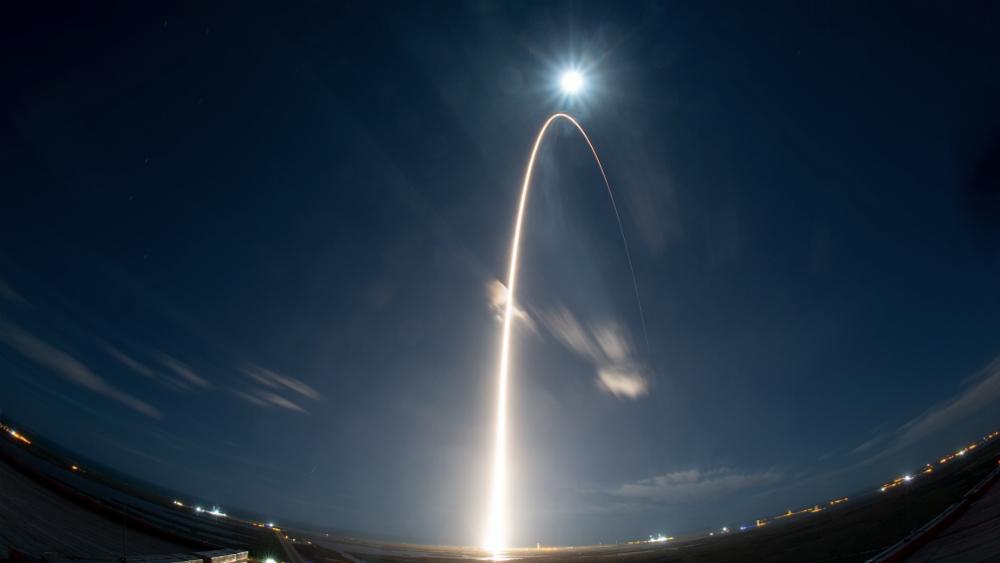 La noche y la Luna se alían en un lanzamiento espectacular para Solar Orbiter - Foto de ESA