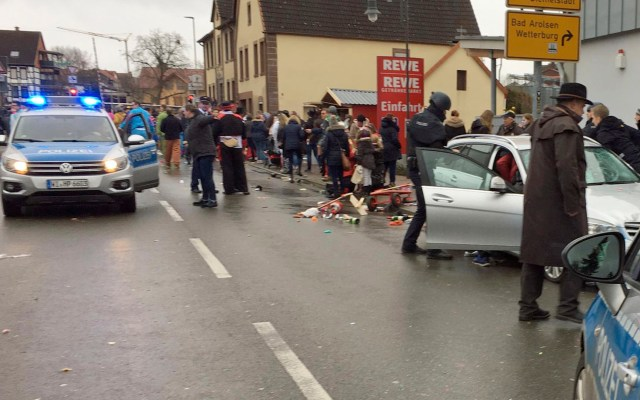 Atropello masivo deja al menos 15 heridos en carnaval de Alemania - Atropello masivo deja al menos 15 heridos en carnaval de Alemania