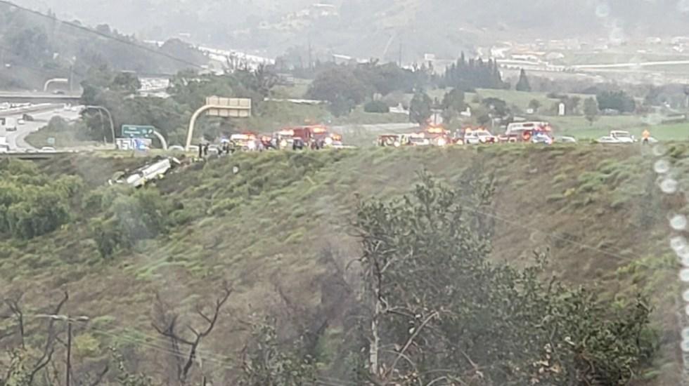 Tres muertos en San Diego tras volcadura de autobús - Foto de @NorthCountyFire