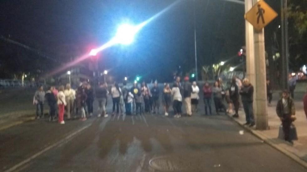Vecinos de la colonia Buenos Aires retiran bloqueo entre Viaducto y Dr. Vertiz - Bloqueo colonia Buenos Aires Viaducto Dr Vertiz 2