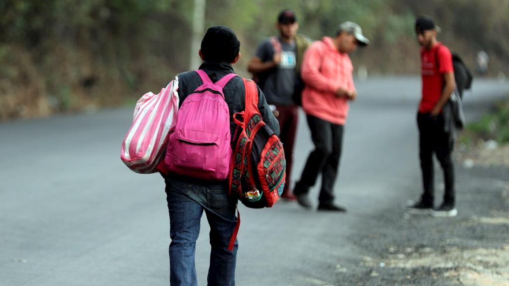 Unos 400 migrantes salen en caravana hacia EE.UU. desde Honduras - Migrantes hondureños en México. Foto de EFE