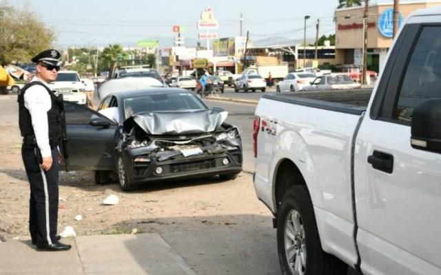 Chocan vehículos que acompañaban caravana de AMLO en Culiacán - Foto de El Debate