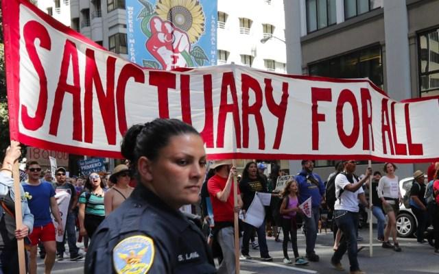 """Tribunal autoriza a Trump retener fondos a ciudades """"santuario"""" - Gobierno de Trump demanda por políticas santuario a California, New Jersey y Washington"""