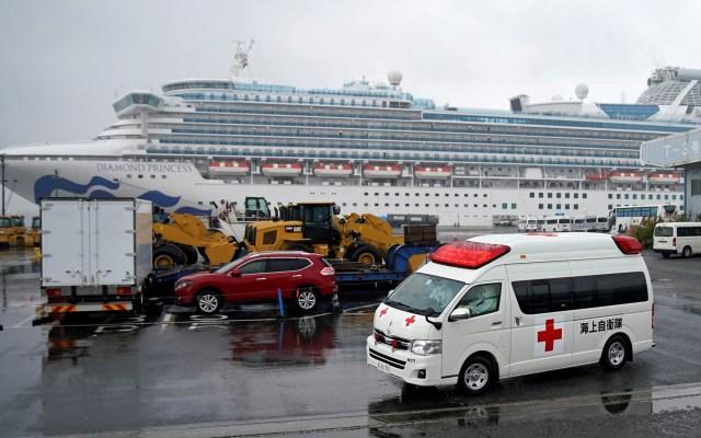 Aumentan casos de Covid-19 a bordo de crucero en cuarentena en Japón - Custodia sanitaria del Diamond Princess. Foto de EFE