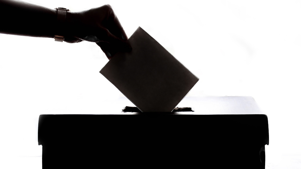 Democracia votos urna política