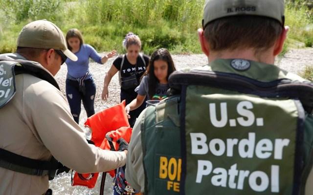 Estados Unidos detuvo en la frontera con México a casi 50 mil migrantes en agosto - Detención de migrantes indocumentados en EE.UU. Foto de @cbpgov