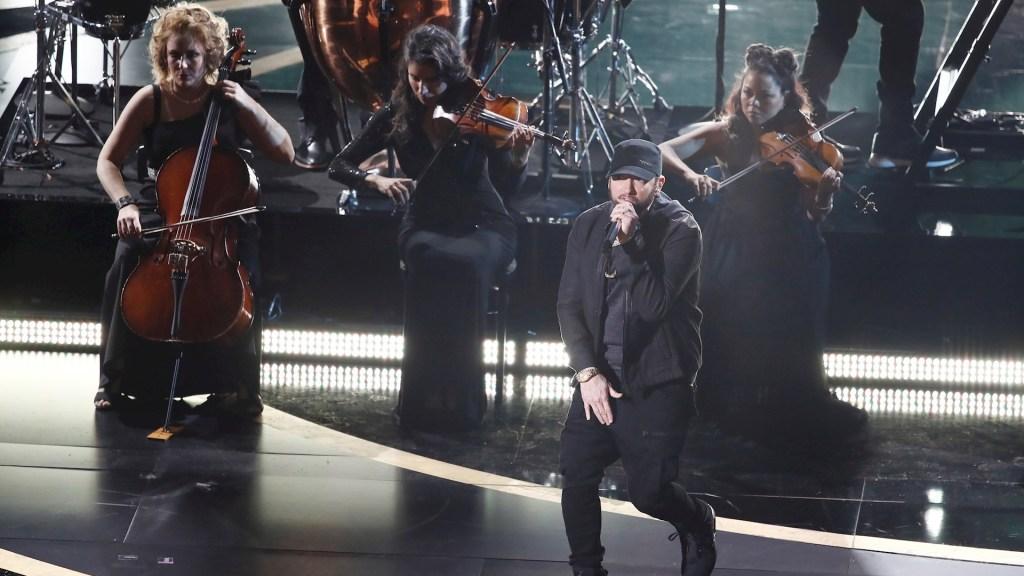 Eminem sorprende en los Óscar con interpretación de 'Lose Yourself' - Eminem Lose Yourself Óscar