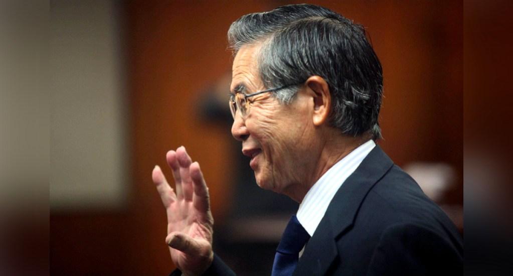 Trasladan a clínica al expresidente Fujimori por problemas respiratorios - Trasladan a una clínica al expresidente Fujimori por problemas respiratorios