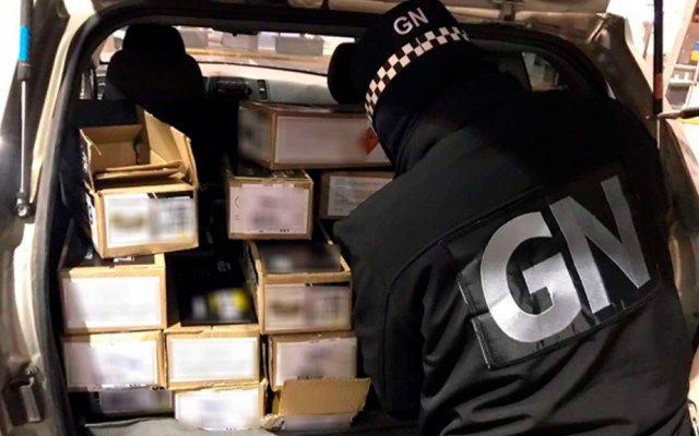 Guardia Nacional asegura en Chihuahua más de 13 mil cartuchos - Guardia Nacional en inspección de camioneta con cartuchos útiles. Foto de Excélsior / Especial