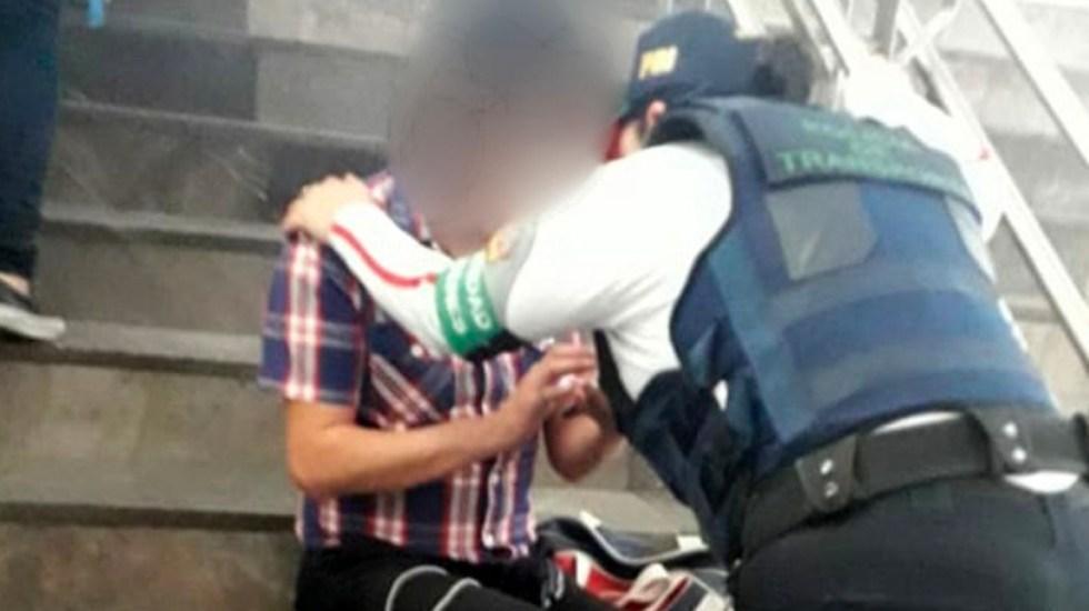 Mujer policía evita que joven se suicide en estación del Metro - Mujer policía evita que joven se suicide en estación Merced del Metro