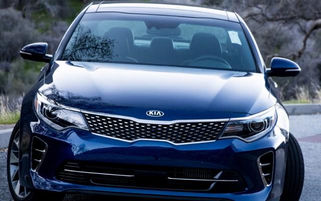 Kia revisará casi 200 mil vehículos por defectos que pueden causar incendios - Se tratan de los modelos Optima y Sedona, que cuentan con defectos que afectan al sistema de combustible y que pueden causar incendios por la pérdida de gasolina