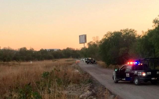 Hallan en Querétaro el cadáver de un hombre sobre camino de terracería - Libramiento de Querétaro en el que hallaron el cadáver de un hombre. Foto de ADN Informativo Querétaro