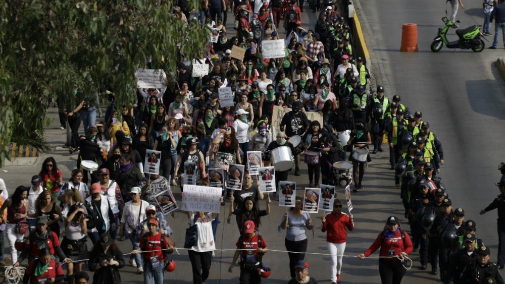 Clamor contra feminicidios retumba en varias ciudades - Foto de Notimex