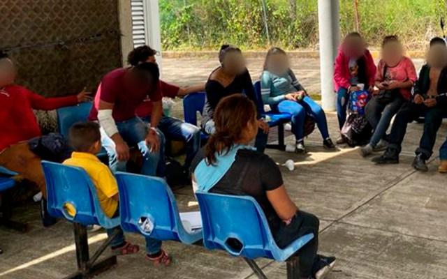 SCJN analizará recurso relacionado con migración y juicio de amparo - Migrantes en estación migratoria de Veracruz. Foto de @INAMI_mx