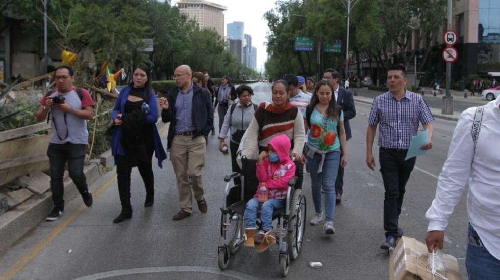Organizaciones de atención a niños con cáncer convocan a paro por desabasto de medicamentos - Manifestación en CDMX de padres de niños con cáncer. Foto de Notimex / Archivo