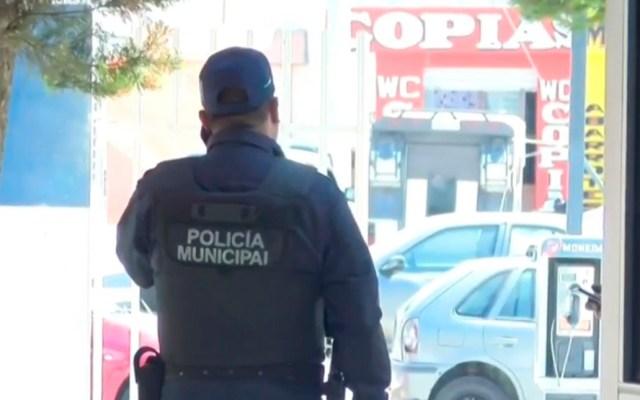 Detienen a tres policías de Tlaxcala por presunta violación de joven de 19 años - Policía Municipal de Apizaco. Captura de pantalla / Noticieros Televisa
