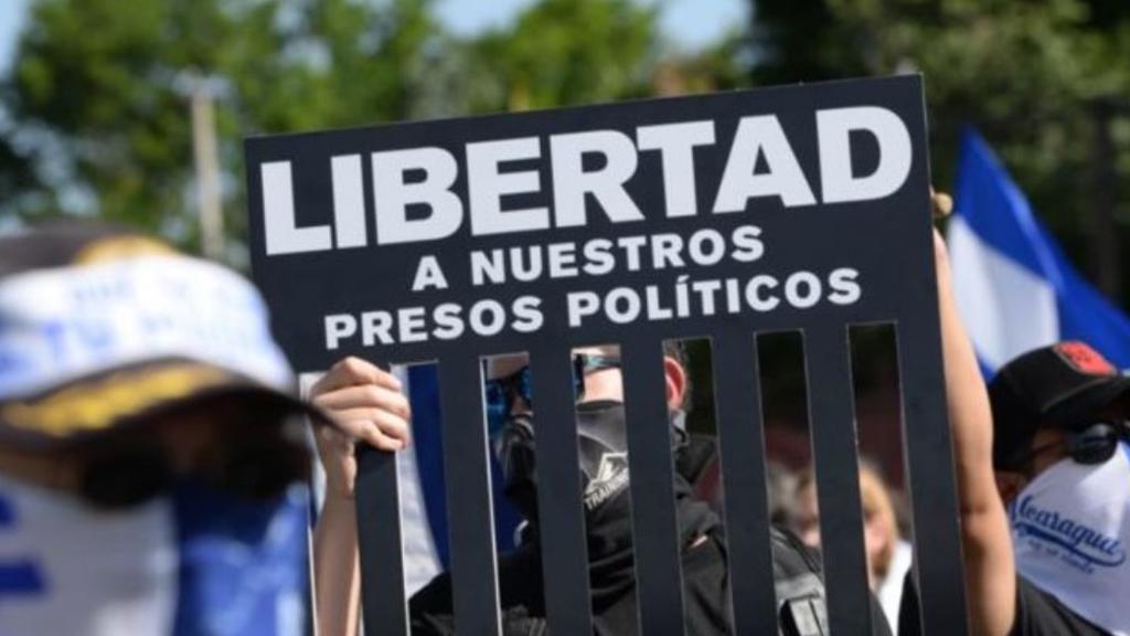 Refugiados nicaragüenses en otros países son ya más de 100 mil, alerta ACNUR - Protesta para liberar a presos políticos en Nicaragua