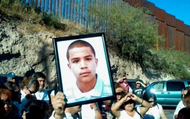 México lamenta fallo de Suprema Corte de EE.UU. en demanda contra agente fronterizo - Protesta por asesinato de Sergio Adrián en frontera de Ciudad Juárez con Texas. Foto de Archivo