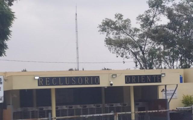 Dan prisión preventiva a 9 servidores públicos por fuga de reos del Reclusorio Sur - Reclusorio Oriente. Foto de Google Maps / Edgar Díaz M.