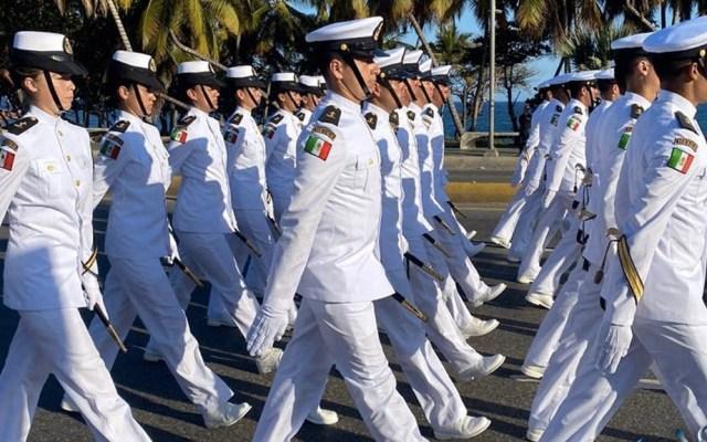 Cadetes navales mexicanos participan en desfile militar en República Dominicana - Semar cadetes marcha Sedena República Dominicana