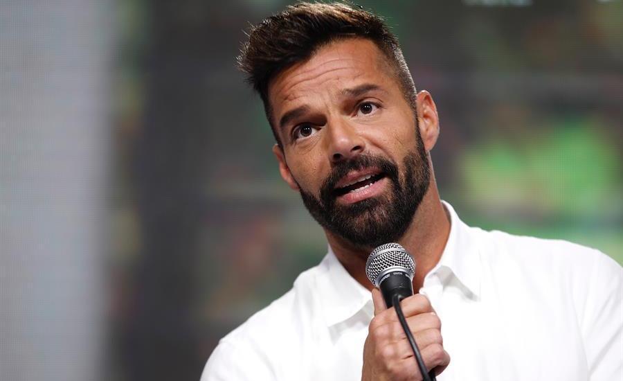 Ricky Martin pide distanciamiento social para combatir el coronavirus - Foto de EFE.