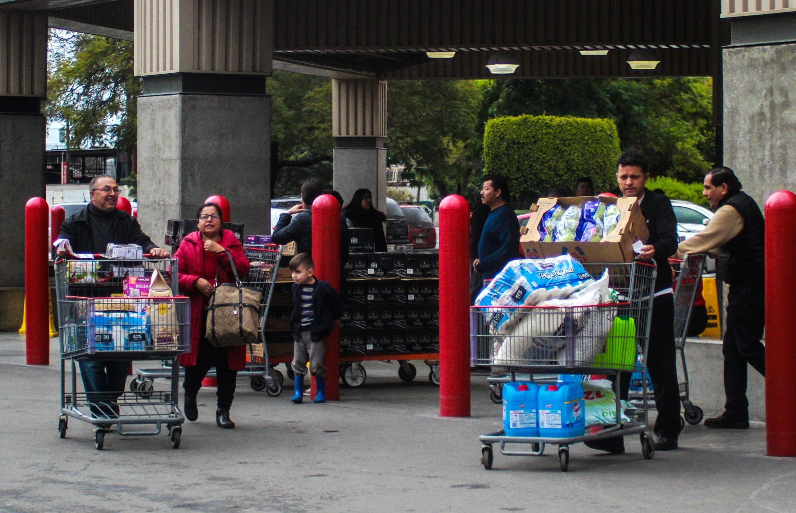 Compras de pánico en Monterrey y Tijuana tras declaración de emergencia de EE.UU. por COVID-19