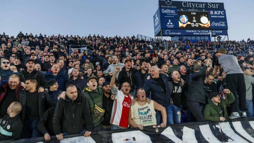 Multan al Ajax por mal comportamiento de sus seguidores en Europa League - Ajax Getafe multa UEFA