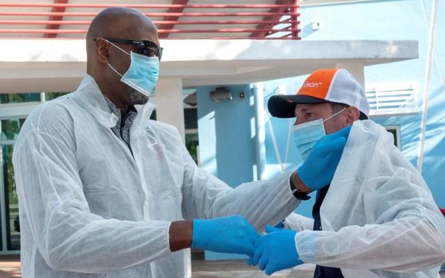 Piden al gobernador de Florida declarar aislamiento social contra COVID-19 - Atención médica a personas de escasos recursos en Miami, Florida. Foto de EFE