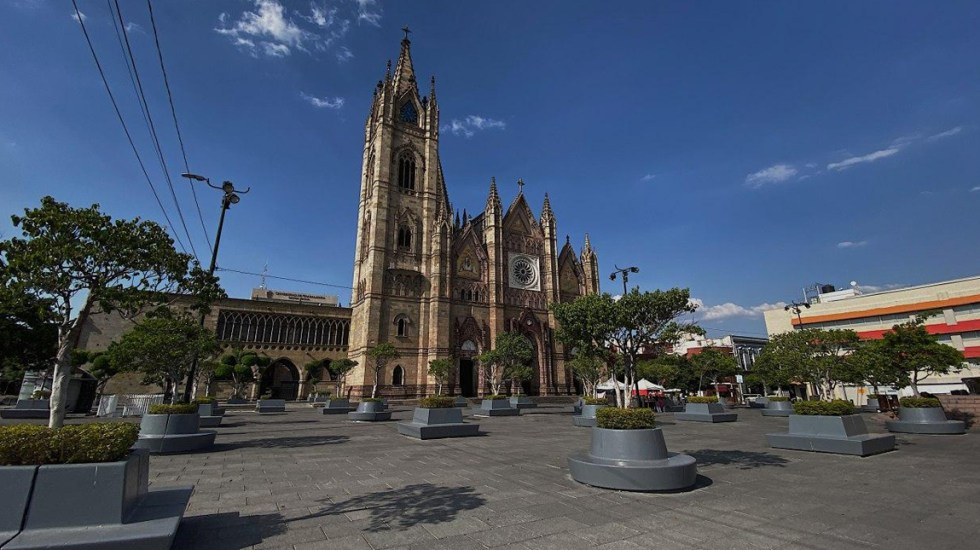 Confirman segunda muerte por COVID-19 en Jalisco - Calles de Jalisco desiertas por aislamiento social ante el coronavirus. Foto de @EnriqueAlfaroR