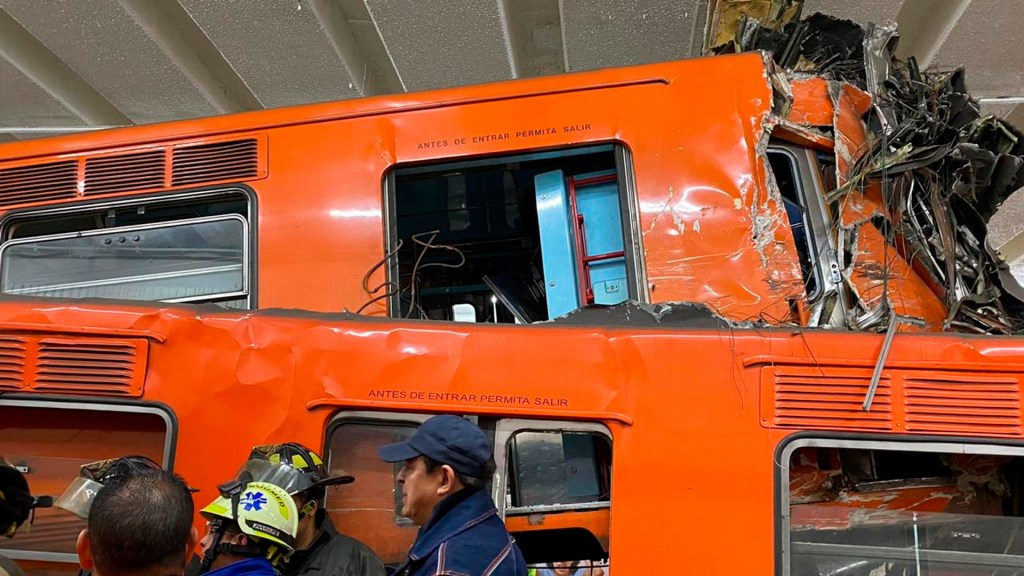 Hospitalizan a 16 heridos por choque en Metro Tacubaya; FGJ investiga - Choque metro tacubaya