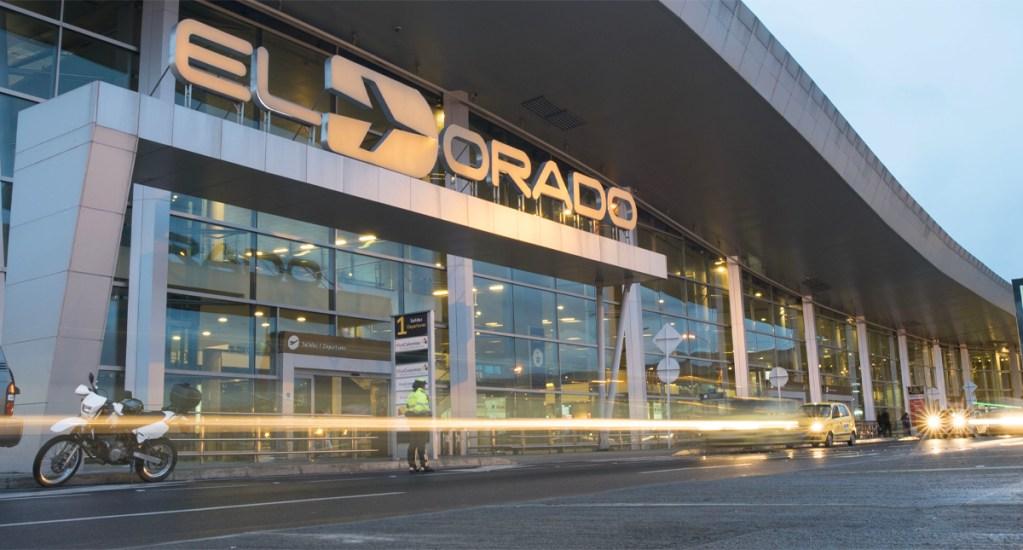 Aeropuerto El Dorado de Bogotá se transforma en hotel para viajeros atrapados por COVID-19 - El aeropuerto El Dorado de Bogotá fue transformado en un inesperado hotel para viajeros que ahora disponen de 224 camas para descansar mientras esperan los vuelos