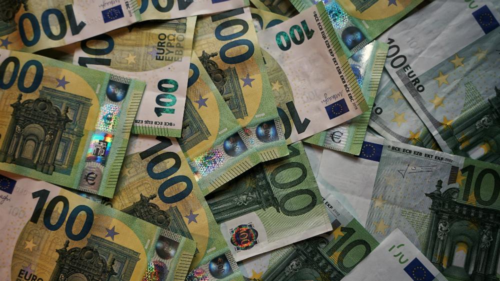 Economía de la eurozona se contraerá entre un 8 y un 12 % en 2020: Banco Central Europeo - Foto de Robert Anasch para Unsplash