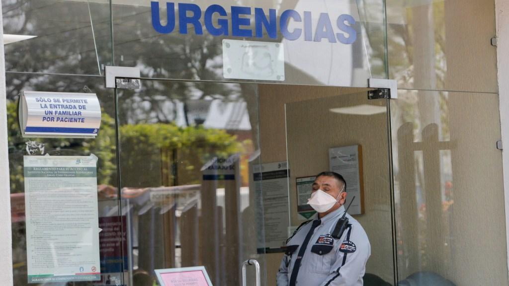 Estos son los laboratorios que realizan la prueba del COVID-19 - Personal y pacientes del Instituto Nacional de Enfermedades Respiratorias (INER), extreman precauciones tras la confirmación oficial del primer caso de coronavirus atendido en dicho instituto. Foto de Notimex-Edgar López.