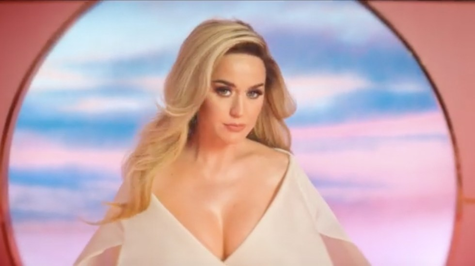 Katy Perry anuncia que está embarazada - Captura de pantalla