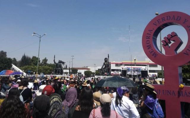 Madres de víctimas de feminicidio exigen justicia - Monumenta mujeres protesta Día internacional de la Mujer