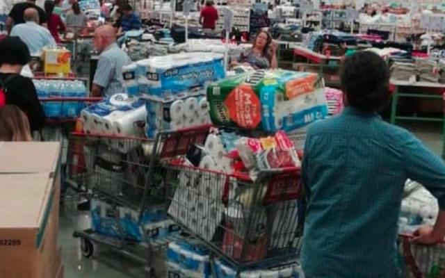 ¿Por qué la gente compra por montones papel de baño por el COVID-19? - Muchas personas están realizando compras de pánico de artículos de primera necesidad para hacer frente al COVID-19, pero también adquieren por montones paquetes de papel de baño