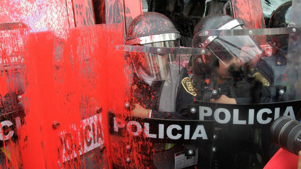 Lesionadas 18 mujeres policías por #Marcha8M en CDMX - Foto de Notimex