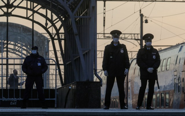 Rusia cerrará todas sus fronteras a partir del lunes por COVID-19 - Foto de EFE