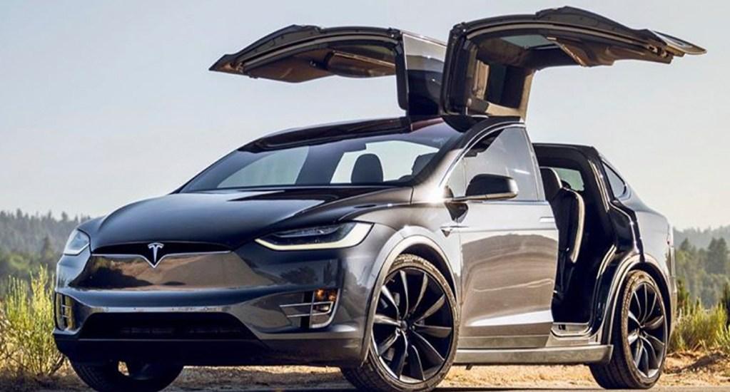 """Cámaras a bordo de Tesla despiertan """"preocupaciones"""" sobre privacidad, advierten expertos - Model X de Tesla. Foto de @TeslaMoto"""