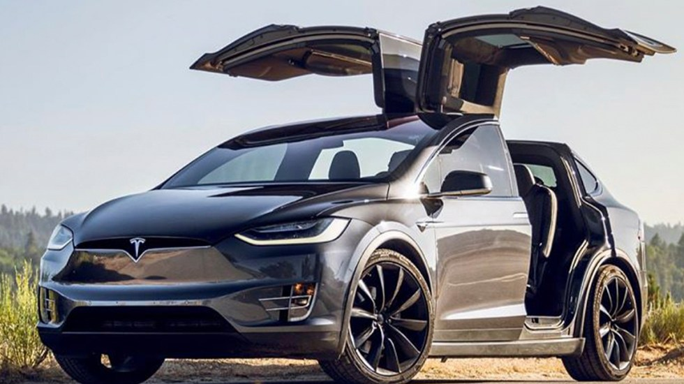 Tesla llama a revisión 44 autos Model X en México por falla - Model X de Tesla. Foto de @TeslaMoto