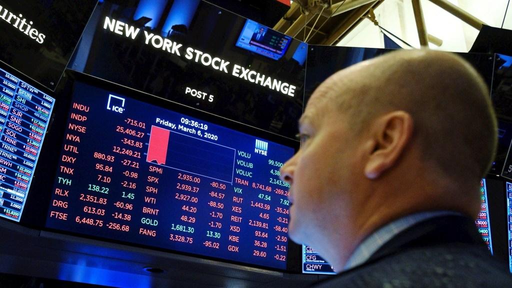 Wall Street rebota tras su peor día desde 1987; Dow Jones sube 4.5 % - Wall Street