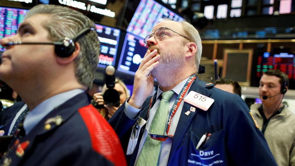 Wall Street continúa en picada por petróleo y COVID-19; Dow Jones baja un 6 por ciento - Wall Street