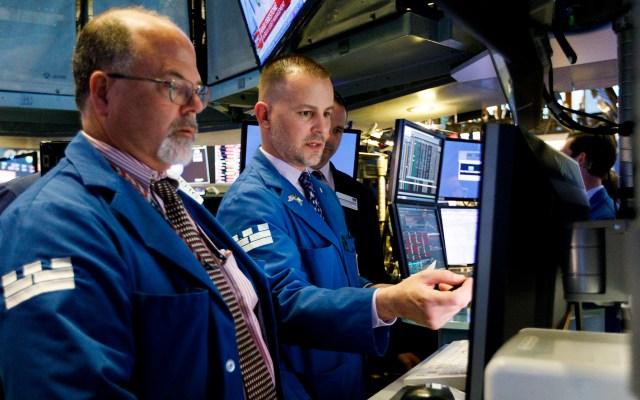 Wall Street vuelve a hundirse por el coronavirus; Dow Jones pierde 5.85 % - Bolsa de Nueva York. Foto de EFE