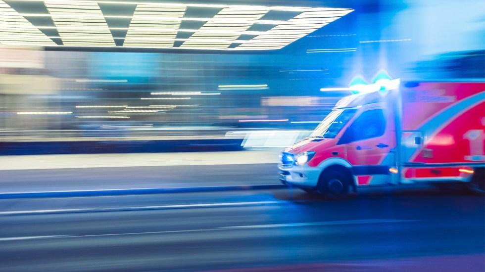 #Video Detienen a paramédicos de la Cruz Roja con 7 kilos de droga - ambulancia