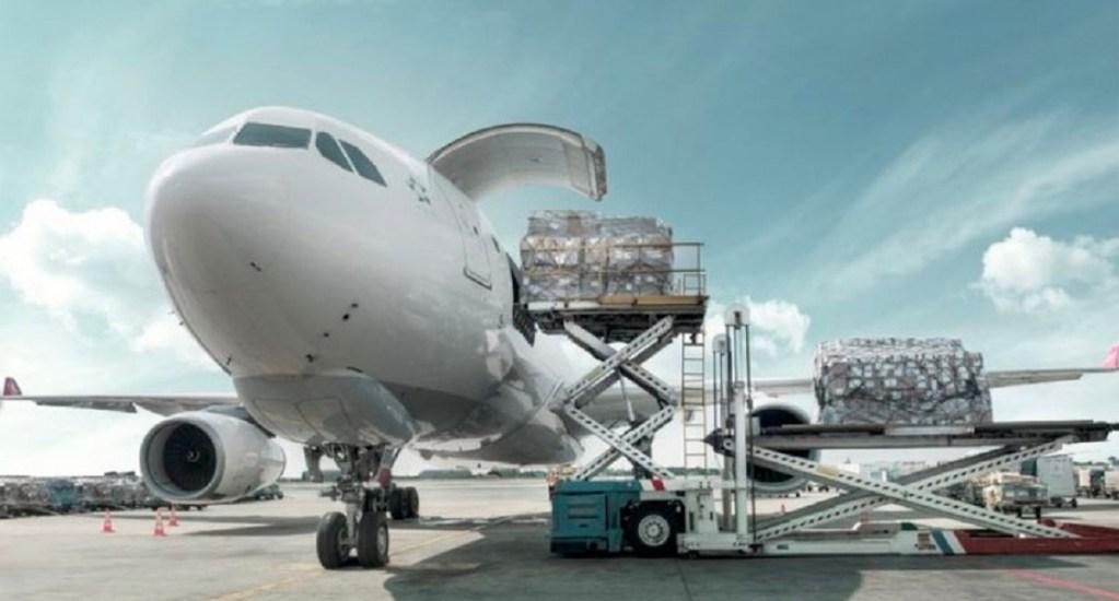 IATA denuncia obstáculos burocráticos para transportar suministros médicos para COVID-19 - Avión de carga