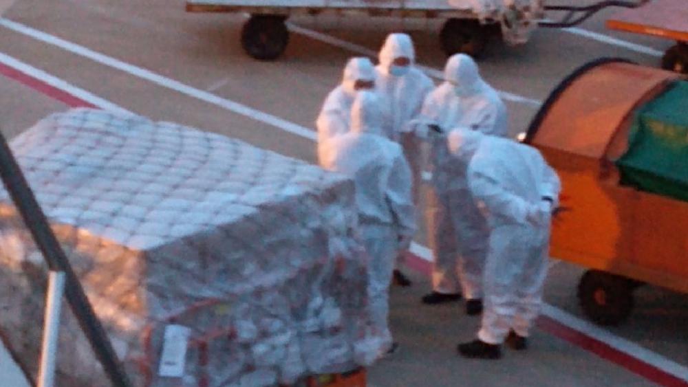 Llega hoy a México el segundo vuelo con equipo médico para COVID-19 procedente de China - Foto de @m_ebrard