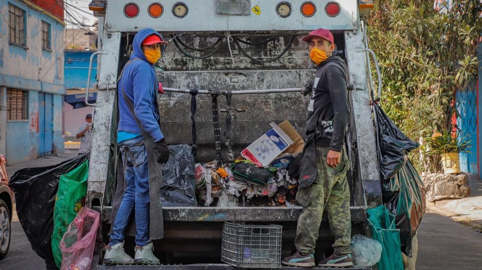 UNAM llama a utilizar cubrebocas en espacios públicos para evitar COVID-19 - Foto de Notimex