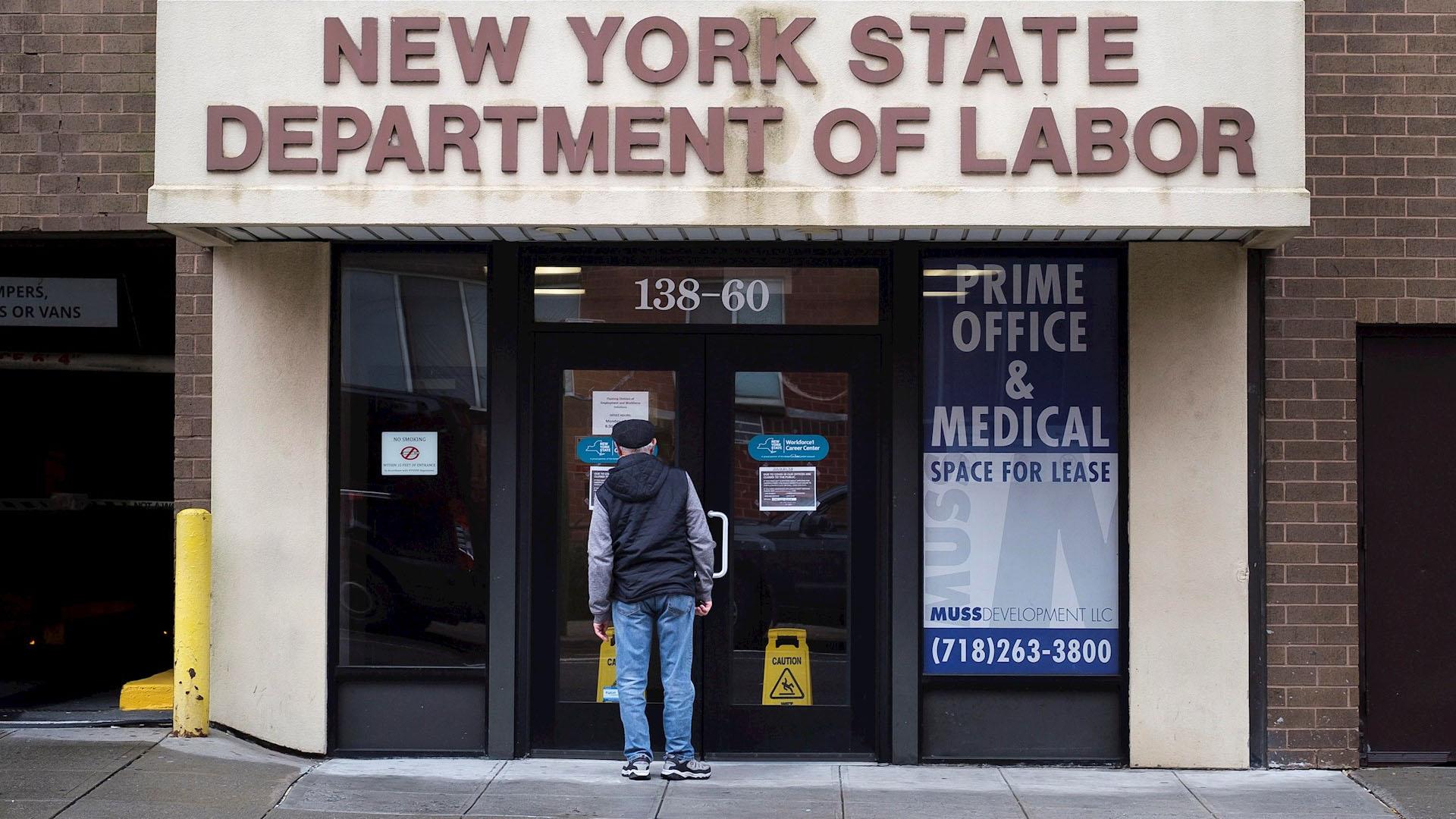 EEUU: 22 millones buscan ayuda por desempleo por pandemia