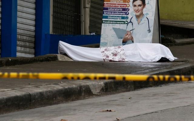 Dejan cadáveres en calles de Ecuador por colapso ante COVID-19 - Ecuador