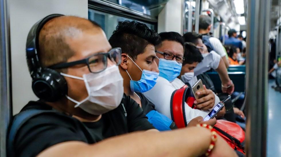 En las últimas 24 horas, México registra 5 mil 263 nuevos casos de COVID-19 y 411 muertes - En el transporte público de la Ciudad de México, el uso de cubrebocas es obligatorio para prevenir el coronavirus. Foto de Notimex / Archivo